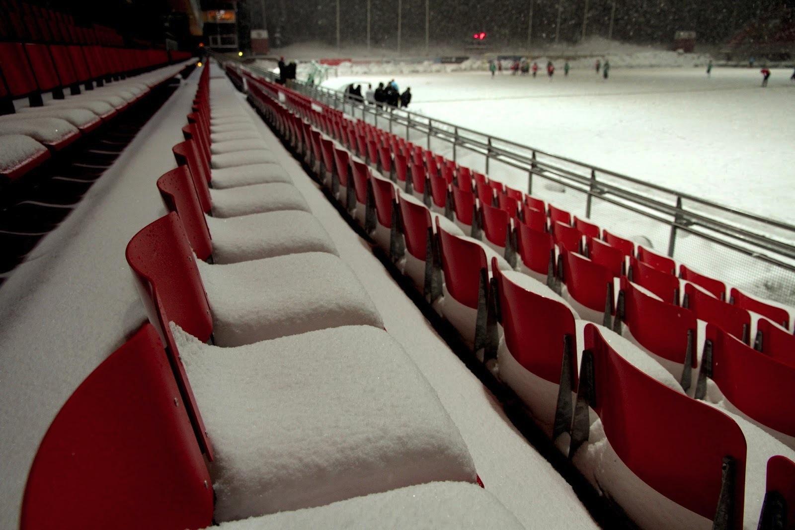 Myyrmäen jalkapallostadion on yksi Myyrmäen urheilupuiston urheilupaikoista. (Kuva Ville Miettinen)