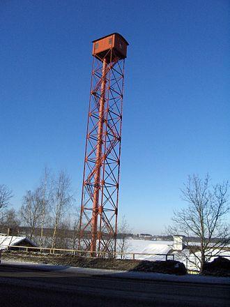 Haulitornin ympäristön maaperästä on löytynyt korkeita lyijypitoisuuksia. (Kiva: Visa580)