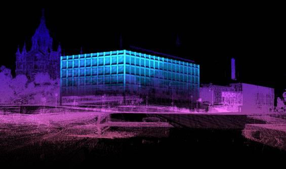 Yksi suurista valaistuskohteista on Katajanokalla sijaitseva Stora Enson pääkonttori.