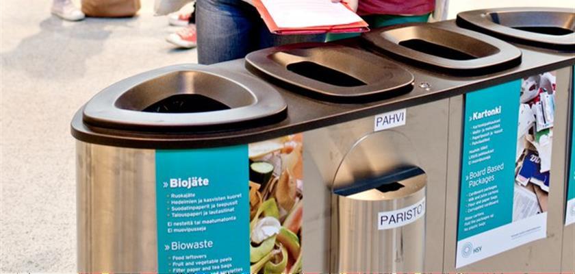 Kolme neljästä kyselyyn vastanneesta näkee oman lajittelunsa merkityksen ja lajittelee jätteet, vaikka muut lajittelisivat väärin tai eivät lajittelisi ollenkaan. (Kuva: HSY)