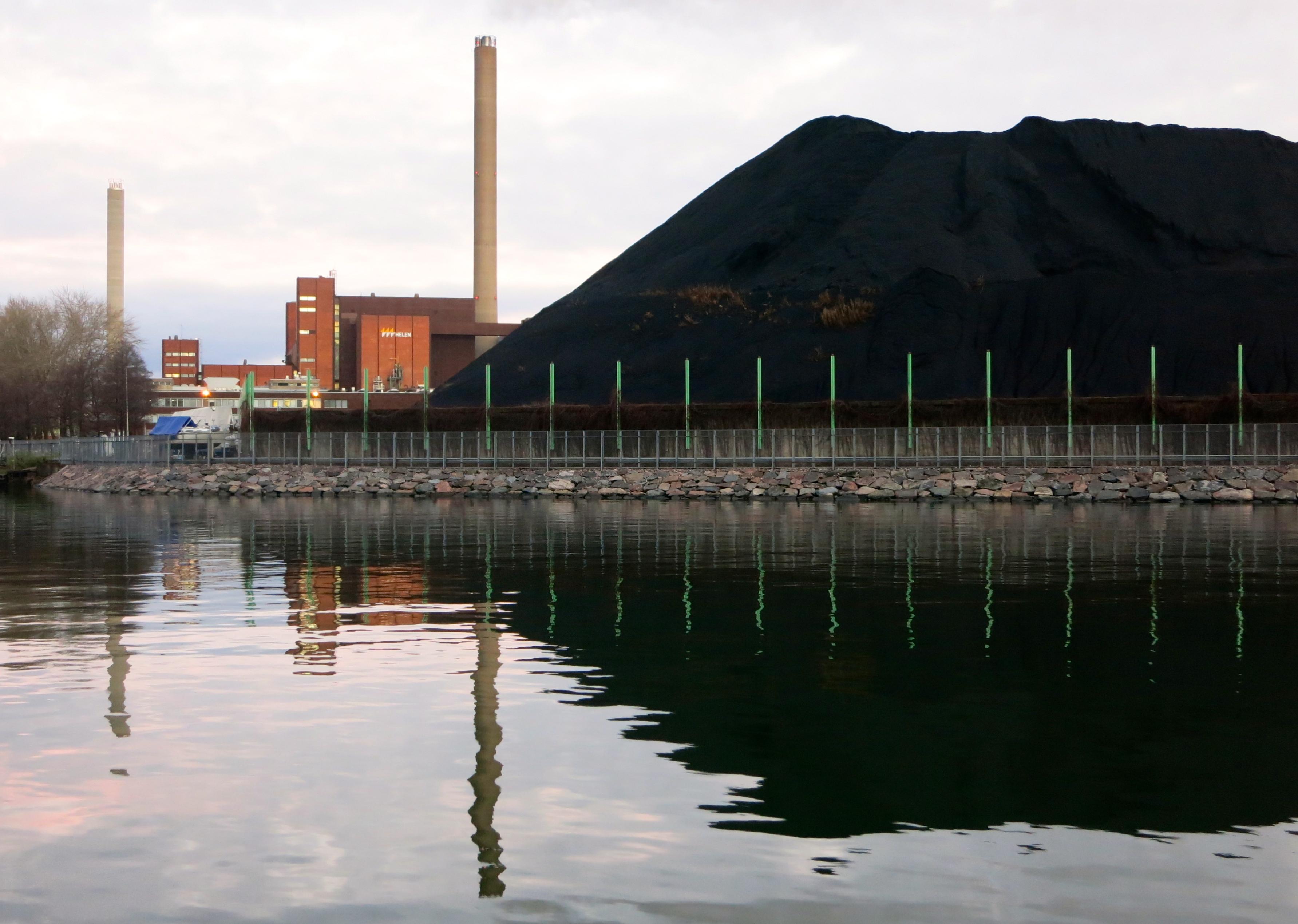 Helsingin päästökehityksessä tapahtui negatiivinen käänne viime vuonna kivihiilen käytön lisäännyttyä. (Kuva: Ville Miettinen)