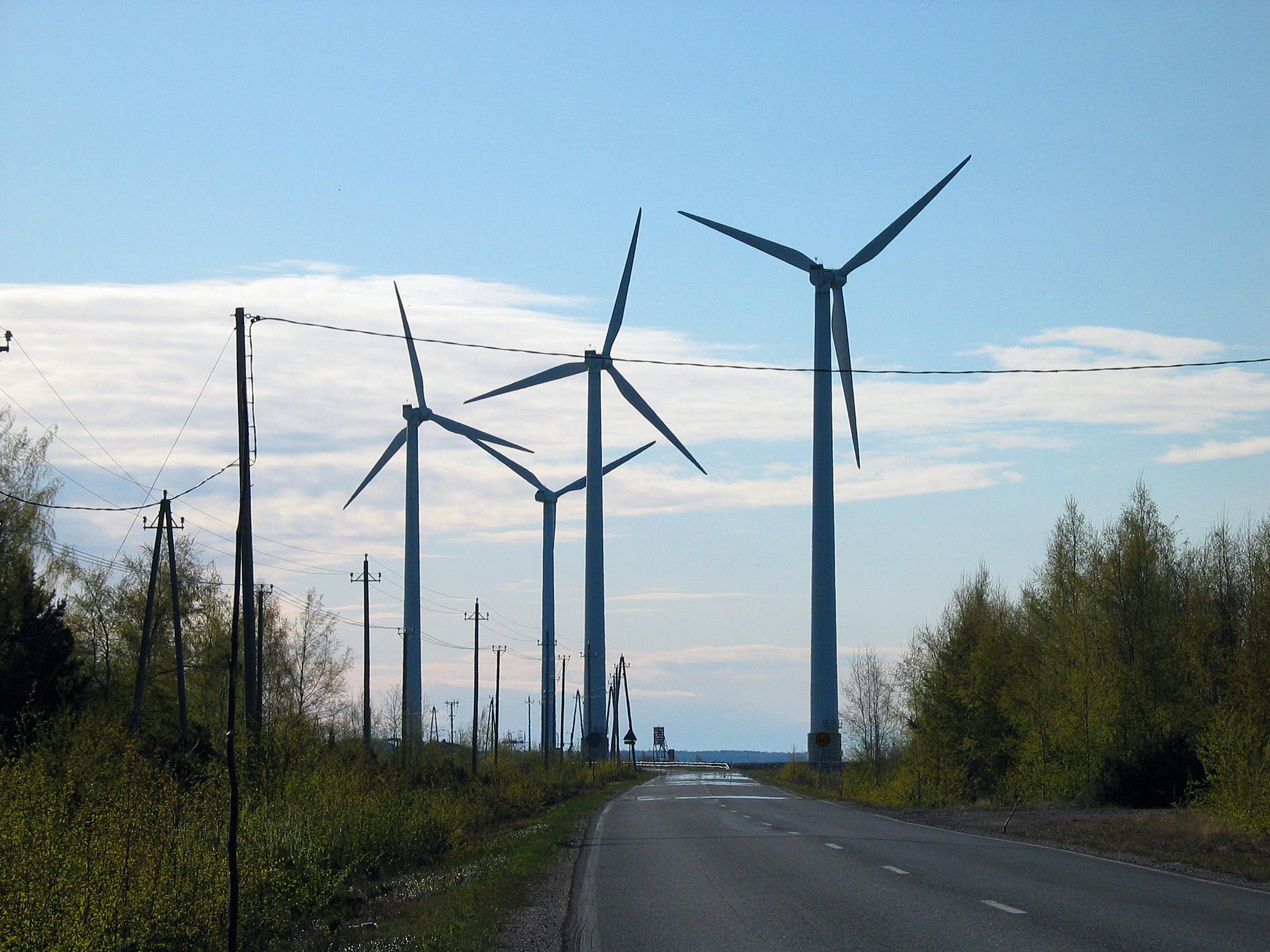 Tuulivoiman vaikutuksista ihmisten terveyteen käydään aktiivista keskustelua, jonka taustaksi kaivataan lisää tietoa.