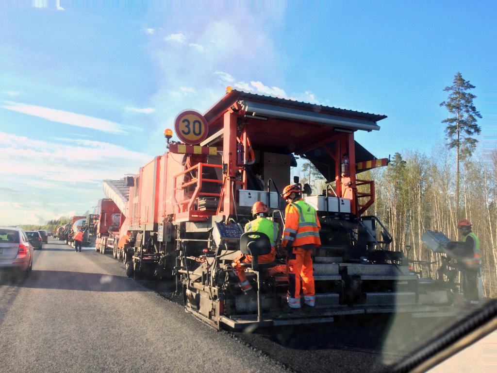 Ensi vuodelle on varattu runsaat 450 miljoonaa euroa väyläverkoston korjausvelan taklaamiseen. (Kuva: Sonja Eloranta)