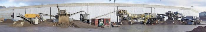 ADR-kuivaerotuslaitteisto käyttökunnossa. Laitteiston siirto käsittelypaikasta toiseen on iso operaatio, joten kerralla yhdessä paikassa on käsiteltävä kuonaa vähintään muutamia kymmenitä tuhansia tonneja.