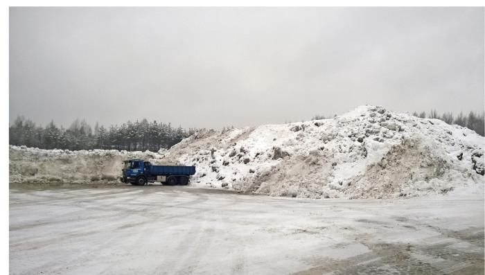 Tiivistyvä kaupunkirakenne hankaloittaa lumen varastointia.