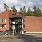 Mainio Vire Oy tarjoaa nykyisin Hyrylässä hoivapalveluja kahdessa 1960-luvun puolivälissä valmistuneessa kasarmirakennuksessa.