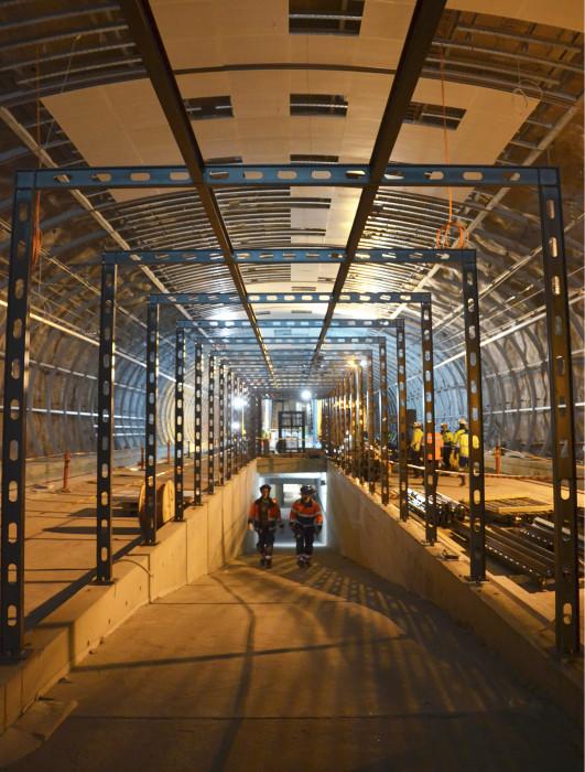 Aviapoliksen aseman päällä on 40 metriä peruskalliota.