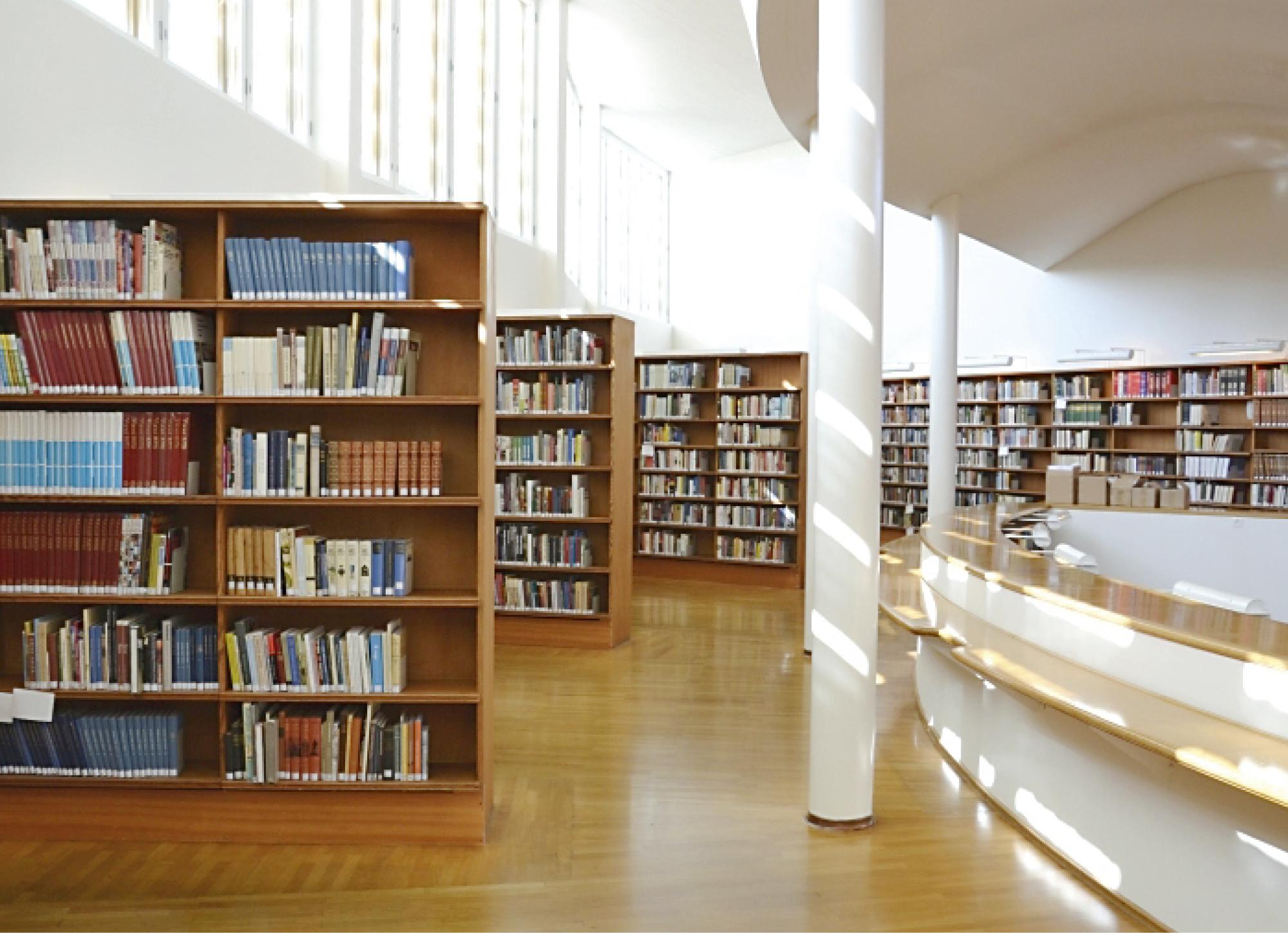 Alvar Aallon suunnittelema 50-vuotias Seinäjoen kaupunginkirjasto avattiin peruskorjauksen jälkeen toukokuun lopulla.