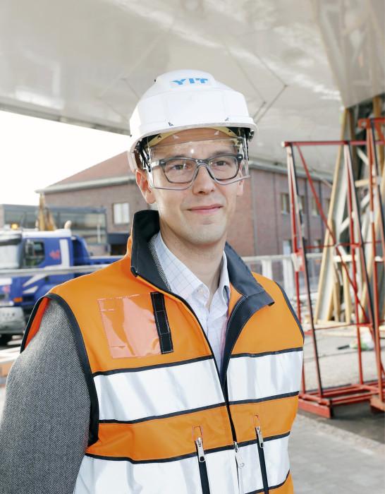 Matti Kuronen pitää matkakeskuksen valmistumista tärkeänä Lahden radanvarren kehittymisen vauhdittajana.