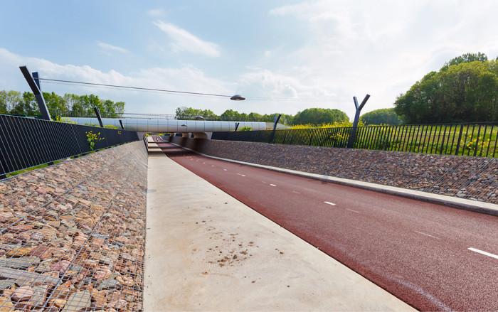 Laatua ja leveyttä riittää Hollannin Arnhemin pyöräilyn pikaväylillä myös alikulkujen kohdalla.