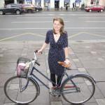 Darja Tabatshnikova on innokas pyöräilijä. Pietarin liikenteestä vastaava varakuvernööri on nimittänyt hänet pyöräilyasioiden neuvonantajakseen.