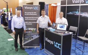 Viasys VDC:n näyttelypisteellä oli ollut vilkasta ja osin urakasta uupuneet Jani Myllymaa (vas), Jarkko Sireeni sekä Pekka Pakkala olivat tyytyväisiä messujen antiin.