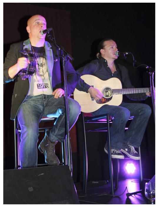 Sami Hintsanen Band viihdytti keskiviikkoiltana.