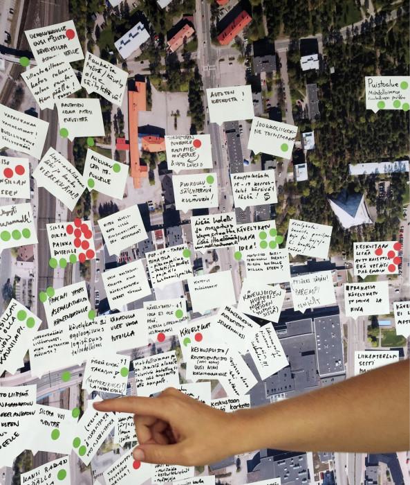 Uusi Kaupunki  kollektiivi keräsi ideoita kaupunkisuunnittelutyöpajoissa.