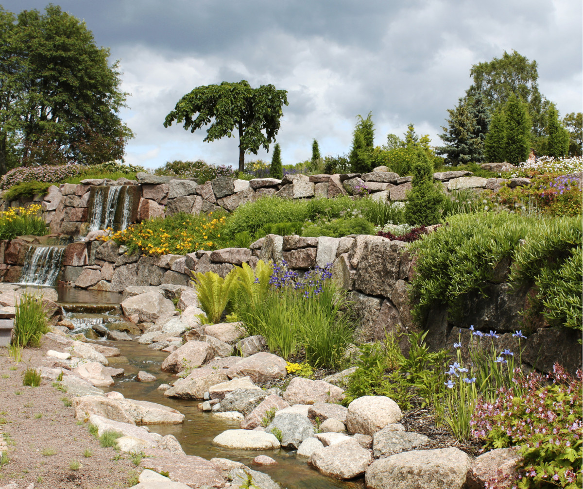Kotkan uusimpia puistoja on Jokipuisto Karhulassa. Kotka tunnetaan puistojen kaupunkina, mitä hyödynnetään matkailussa.