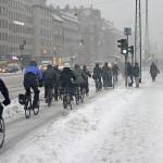 Kööpenhaminassa pyöräillään vuoden ympäri, vaikka keliolosuhteet ovat sielläkin ajoittain haastavat. Kuva: Kalle Vaismaa