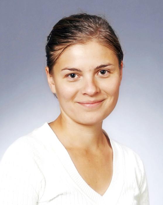 – Kierrätystavaran hinta laskee viikottain, jotta tavarat saadaan tehokkaasti kiertoon, Saara Vauramo sanoo.