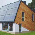 Kaavoituksessa otetaan aurinkoenergialle suosiollinen sijoittelu huomioon. Saksassa pientalon suunnittelu on valjastettu aurinkokeräimille.
