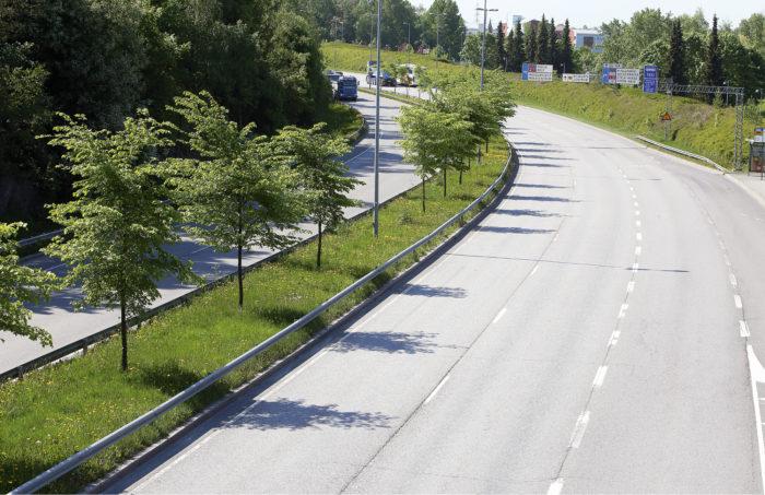Helsingin sisääntulotiet ruuhkautuvat lyhyiksi ajoiksi päivittäin. Muulloin on kovin väljää. Tavoitteena on liikennevirran sekä vähentämimen että tasoittaminen bulevardien myötä.