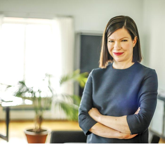 Anni Sinnemäki huomauttaa, että Helsingin kantakaupunkia ei suunnitella niille, jotka asuvat mielummin omakotitalossa maalla.