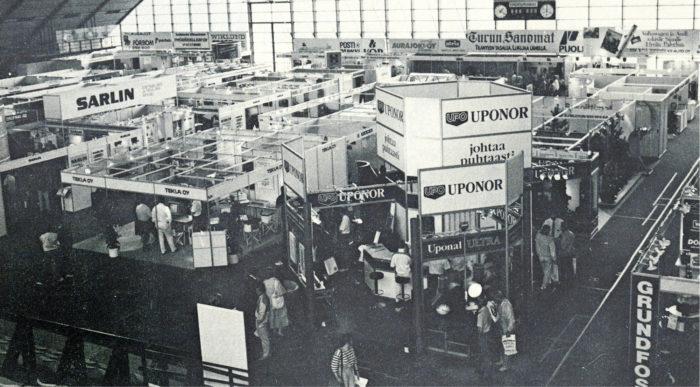 Näkymä kolmannesta Yhdyskuntatekniikka-näyttelystä Turussa 1987, jossa näytteilleasettajia oli jo 134 ja kävijöitä yli 4 000.