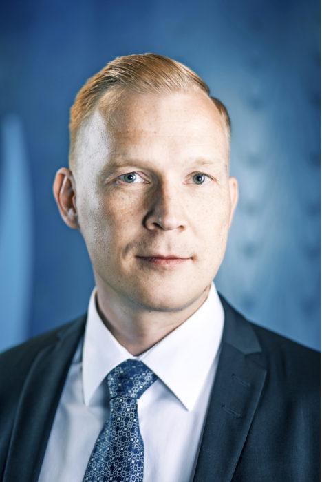 – Pitää tunnistaa, mitkä kunnan toiminnot ovat sen perustehtävien kannalta kaikista kriittisimmät ja mitkä palvelut pitää toimia, jotta nämä toiminnot voidaan pitää pystyssä, Viestintäviraston kyberturvallisuuskeskuksen johtaja Jarkko Saarimäki sanoo.