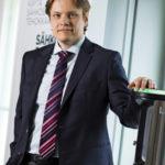 Kehityspäällikkö Juha Karppinen näkee, että sähkövarastot ovat välttämättömiä, kun aurinko- ja tuulivoiman osuutta  lisätään.